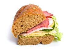 Sandwich auf weißem Hintergrund stockfotografie