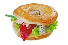 Sandwich avec de la viande, le poivre et la laitue Photographie stock libre de droits