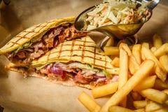 Sandwich avec des fritures Image libre de droits