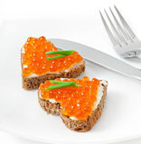 Sandwich avec le caviar rouge Photos stock