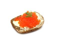 Sandwich avec le caviar rouge Images libres de droits