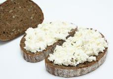 Sandwich avec le fromage à pâte molle Images libres de droits