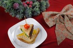 Sandwich avec les épinards et l'oeuf Image libre de droits