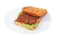 Sandwich Belgische wafels met risotto. Stock Fotografie