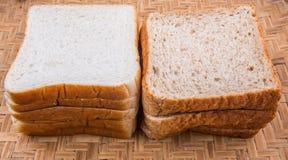 Sandwich-Brot und Vollweizen-Brot I Lizenzfreies Stockbild