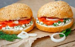 Sandwich con i salmoni Fotografia Stock Libera da Diritti