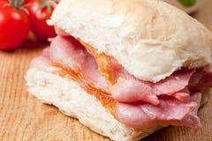 Sandwich croustillant délicieux à lard Photographie stock