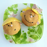 Sandwich in de vorm van de hoofden van het meisje en de jongen Royalty-vrije Stock Foto