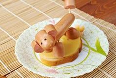 Sandwich die van hondworsten wordt gemaakt Royalty-vrije Stock Fotografie