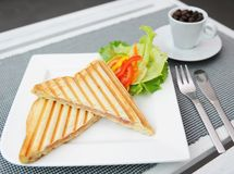 Sandwich et café Images stock