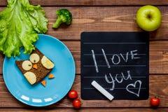 Sandwich formé par hibou à petit déjeuner d'enfants je t'aime Images libres de droits