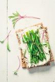 Sandwich frais avec l'asperge et le fromage de fromage Photos stock