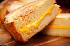Sandwich grillé à fromage Photographie stock libre de droits