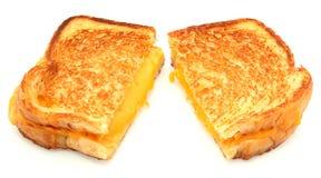 Sandwich grillé à fromage d'isolement sur le blanc Image libre de droits