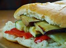 Sandwich grillé à Muffuletta de ratatouille Photo libre de droits