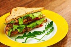 Sandwich grillé frais à blt de panini avec le poulet photo stock
