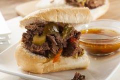 Sandwich italien fait maison juteux à boeuf photo libre de droits