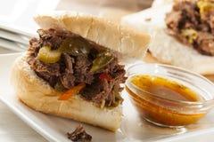 Sandwich italien fait maison juteux à boeuf photos libres de droits
