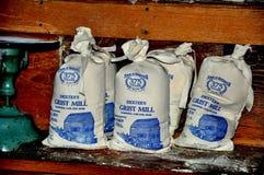 Sandwich, mA : Sacs de la farine de maïs de moulin du blé à moudre de Dexter Photographie stock