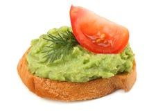 sandwich met avocadoroom op witte achtergrond wordt geïsoleerd die Gezond voedsel royalty-vrije stock afbeeldingen