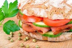 Sandwich met bacon Stock Afbeeldingen