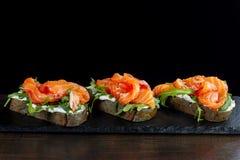 Sandwich met forel stock foto's