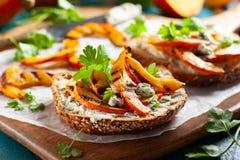 Sandwich met geroosterde pompoen Stock Foto