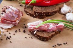 Sandwich met gezouten reuzel Stock Foto's