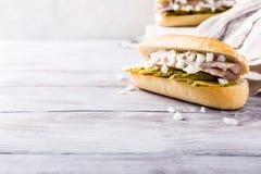 Sandwich met haringen royalty-vrije stock afbeeldingen
