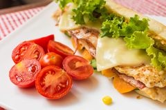 Sandwich met kip en bacon Stock Afbeelding