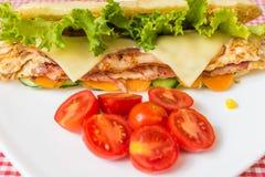 Sandwich met kip en bacon Stock Afbeeldingen