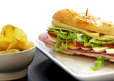 Sandwich mit Eischinken-Käsetomate Stockfoto