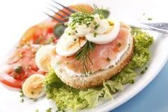 Sandwich mit Lachsen Stockfotos