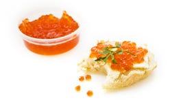 Sandwich mit rotem Kaviar Lizenzfreies Stockfoto