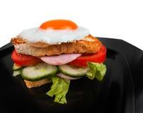 Sandwich lokalisiert auf Schwarzweiss-Hintergrund Lizenzfreies Stockbild