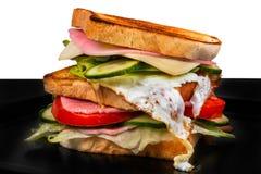 Sandwich lokalisiert auf Schwarzweiss-Hintergrund Stockfotos