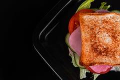 Sandwich lokalisiert auf Schwarzweiss-Hintergrund Lizenzfreie Stockbilder
