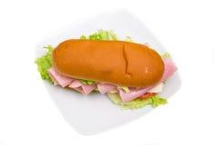 Sandwich mit Schinken und Salat Lizenzfreies Stockbild