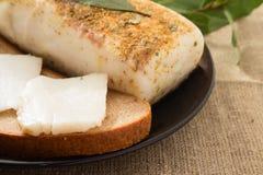 Sandwich mit Speck- und Lorbeerblatt stockfotos