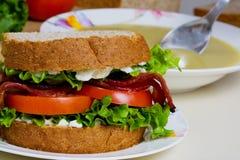 Sandwich mit Suppe Stockfotos