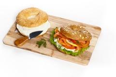 Sandwich saumoné fumé photographie stock libre de droits