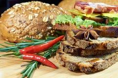 Sandwich voor ontbijt met Spaanse peper Royalty-vrije Stock Afbeeldingen