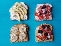 Sandwiche mit Erdnussbutter und Käse Stockbild