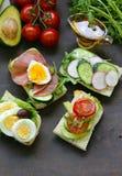 Sandwiche mit verschiedenen Füllungen Stockbilder