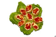 Sandwiches met rode kaviaar stock foto's