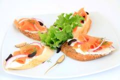 Sandwiches met zalm Stock Afbeeldingen