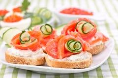 Sandwiches met zalm en roomkaas Royalty-vrije Stock Afbeelding