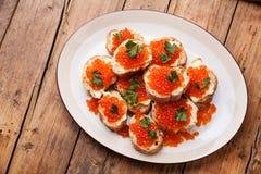 Sandwiches met Zalm rode kaviaar Royalty-vrije Stock Afbeelding