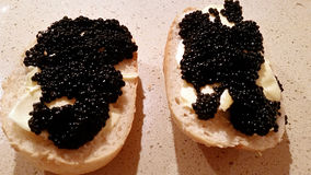 Sandwiches met zwarte kaviaar Royalty-vrije Stock Fotografie
