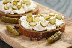 Sandwiches with rye bread, cream cheese and Royalty Free Stock Images